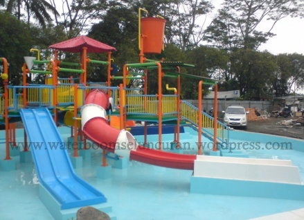 waterpark , seluncuran waterboom , waterslide , ember tumpah (17)